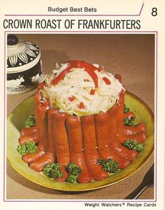 Crown Roast of Frankfurters? I think they serve this to the lucky guests after a few hours of cocktails! I like the little pieces of broccoli between the toes of the frankfurters. Retro Recipes, Old Recipes, Vintage Recipes, Diet Recipes, Ethnic Recipes, Vintage Food, Spam Recipes, Funny Vintage, Healthy Recipes