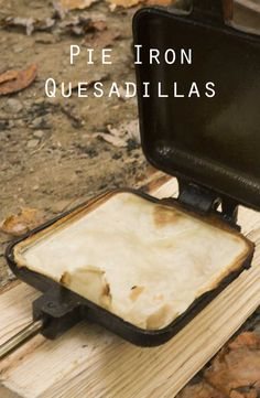 On a chilly day, pie iron quesadillas make a great lunch. Tortillas work well in a pie iron, creating crispy pockets you can fill with a variety of ingredients. In this recipe, I keep things tradit… Quesadillas, Crepes, Pie Iron Cooking, Cooking Game, Fire Cooking, Oven Cooking, Camping Bedarf, Camping Cooking, Glamping