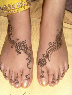More foot henna.