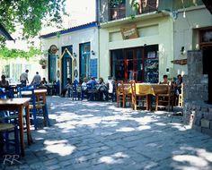Street cafe in Agiassos on the island of Lesvos/Greece Samos, Karpathos, Beautiful Islands, Beautiful Places, Best Travel Quotes, Greece Islands, Greece Travel, Crete, Athens
