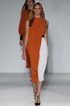 Roksanda Spring 2013 Ready-to-Wear Collection Photos - Vogue