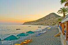 Relaxing Sunset at the Myrtos beach in #Ierapetra .  Ηλιοβασίλεμα στην παραλία του Μύρτους Ιεράπετρας .   (CC-BY-NC-ND 3.0)