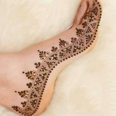 Check collection of 41 Mehndi Designs For Eid to Try This Year. Eid ul fitar 2020 includes mehndi designing, girls decorate their hands with mehndi designs.