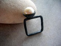 mod square oxidized sterling silver with white fw pearl ring