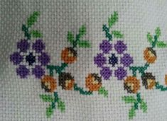 Lily, Cross Stitch Borders, Dishes, Cakes, Cute Cross Stitch, How To Make Crafts, Favors, Punto De Cruz, Barbell