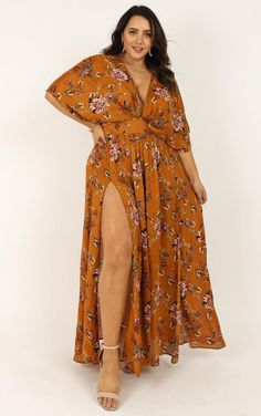 Complete your look with the Vacay Ready Maxi Dress In Mustard Floral from Showpo! Curvy Fashion, Boho Fashion, Girl Fashion, Fashion Dresses, Petite Fashion, Fashion Black, Mens Fashion, Looks Plus Size, Look Plus