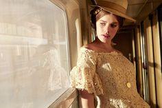 Agence de mannequins Hype models Paris - Model agency in Paris / visage / femme / lumière / train / composition
