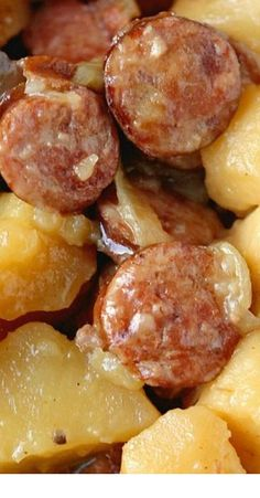 Sausage & Potatoes Crockpot Sausage & Potatoes - I would use red potatoes, they hold up to long cooking better than russets.Crockpot Sausage & Potatoes - I would use red potatoes, they hold up to long cooking better than russets. Crockpot Sausage And Potatoes, Crockpot Dishes, Crock Pot Slow Cooker, Crock Pot Cooking, Slow Cooker Recipes, Cooking Recipes, Dinner Crockpot, Crock Pots, Sausage Crockpot Recipes