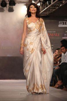 Buddhi Batik's..Sri Lankan Designer Darshi kirthisena's label..bridal