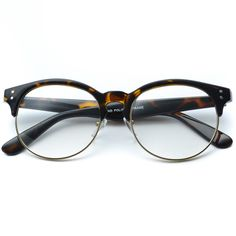A semi-rimless frame that takes a modern turn, the Winter brings a round design and a thicker frame to the table. It's plastic and metal finish is the perfect pairing of contemporary and classic. Fram