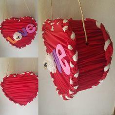 #Piñata #Corazon❤️ para este 14 de Febrero, pon dentro todo lo que quieras dar d esa persona especial. Olvídate de las aburridas rosas y peluches