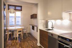 Chestnut & white stone kitchen