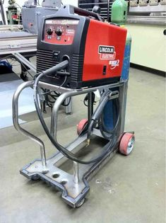 welding table plans or ideas Welding Table, Welding Cart, Welding Jobs, Diy Welding, Welding Ideas, Mig Welder Cart, Welding Schools, Welding Helmet, Welding Certification