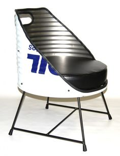 Oil drum seat, a man room staple. Car Furniture, Barrel Furniture, Automotive Furniture, Barrel Chair, Recycled Furniture, Industrial Furniture, Drum Seat, Drum Chair, Drum Table