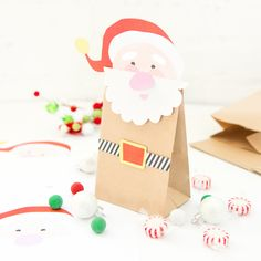 Looking for a new way to gift all those homemade candies and cookies this Christmas? These Free Printable Santa Treat Bags will surely do the trick!