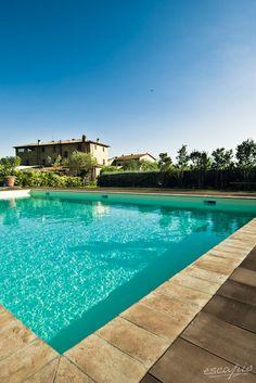 Tuscany has some amazing pools to offer. La Casa Medioevale, Lamporecchio, Italien