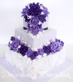 Gobble Up one of These Wedding Cakes - MODwedding