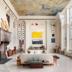 One walk through this NYC home it becomes obvious that the inhabitants of the apartment are influenced by great artists of past and present