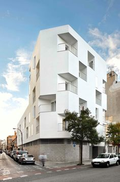 The project is located in 'Pere Garau' neighbourhood. The area was formerly characterized by blocks of single family houses with inner courtyards that follow...