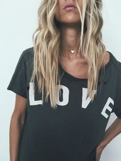 You know, those Fall + Winter outfits you start day dreaming about as soon as the days get shorter > Get them now, on the James Michelle Blog. Mini Heart Choker + LOVE Tee. #SimpeLooks #JamesMichelle #HandMadeJewelry #HandStampedJewelry #HairGoals #BeachHair #Boho #BohoStyle #FashionBlog