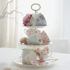 charming centerpiece for a tea party  ;) | sorority sugar