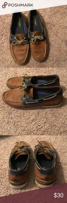 87ba45a4fbbfa0 Sperry Top spider Men s 10.5 Light brown boat shoe with blue trim Used but  no rips