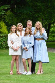 Dutch Princess, Dutch Queen, Royal Fashion, Fashion Art, King Alexander, Royal Crown Jewels, Color Celeste, Cute Kids Photography, Estilo Real