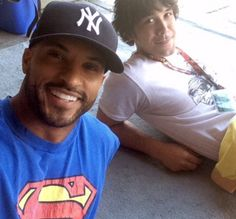 Ricky Whittle and Bob Morley    The 100 cast    Lincoln and Bellamy Blake
