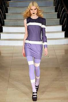 Single-Sleeve Fashion - Designers Like Hermes, Gucci and House of Holland Skimp on Second Arms (GALLERY)