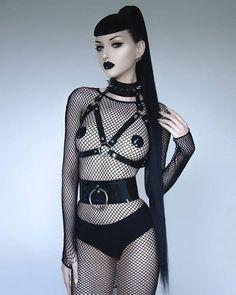 Cute Goth Girl, Hot Goth Girls, Gothic Girls, Gothic Fashion, 90s Fashion, Fashion Models, Current Mood Clothing, Gothic Models, Victoria