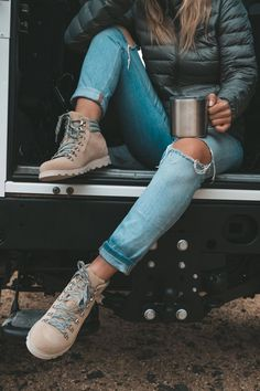 Cozy Winter Fashion, Autumn Fashion, Cold Weather Fashion, Winter Outfits For Teen Girls, Casual Winter Outfits, Outfit Winter, Casual Boots, Summer Hiking Outfit, Country Winter Outfits