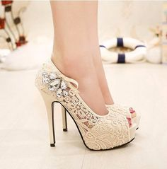 - Beautiful lace peep toe stiletto high heels for the stylish fashionista - Urban design offers a stylish trendy look - Perfect for special occasions or parties - Made from PU - 9 cm heel height - Ava