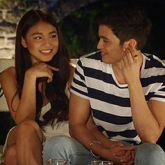 this is so real. don't tell me that stare is scripted. don't be bitter :) Couple Posing, Couple Photos, Kim Sejeong, James Reid, Nadine Lustre, Jadine, Best Friend Goals, Partners In Crime, Just Friends