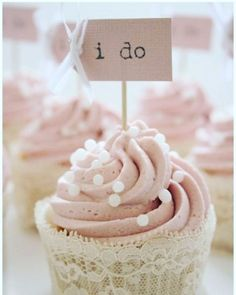Will you make this sacrifice? It's hard to believe but your love has turned my around. I can make a commitment now. Say: I Do! - Lionel Richie #love #wedding #ideas #cupcakes #cream #lyrics #diy #weddingcake #weddinggift #sweet http://gelinshop.com/ipost/1518729834993241421/?code=BUTnL0Ej01N