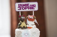Cutie geeky cake toppers!