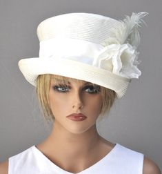 26 Super Ideas For Bridal Headpiece Hat Mad Hatters Bridal Hat, Bridal Headpieces, Cream Suit, Custom Made Hats, Cream Hats, Royal Ascot Hats, Riding Hats, Bridal Makeup Looks, Hats For Women