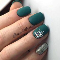 Matte Green Nails, Green Nail Art, Dark Nails, Matte Nails, Acrylic Nails, Dark Color Nails, Acrylic Colors, Cute Shellac Nails, Nail Art Galleries