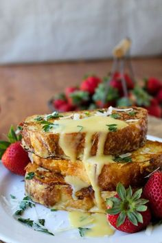 Let's do brunch: Savory Parmesan French Toast with Hollandaise Sauce Dog Recipes, Brunch Recipes, Cooking Recipes, Sauce Recipes, Brunch Foods, Hamburger Recipes, Skillet Recipes, Vegetarian Cooking, Brunch Ideas
