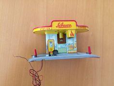 50 Blechspielzeug Schuco Varianto 3055 Tankstelle    eBay Table Lamp, Ebay, Home Decor, Filling Station, Table Lamps, Decoration Home, Room Decor, Home Interior Design, Lamp Table