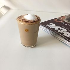 Milk coffee is a category of coffee-based drinks made with milk. Aesthetic Coffee, Aesthetic Food, Tiramisu Dessert, Coffee Cocktails, Coffee Pictures, Coffee Is Life, Coffee Shop, Coffee And Books, Recipes From Heaven