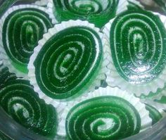 Contoh Procedure Text How To Make Jelly Candy Roll Dan Artinya - http://www.ilmubahasainggris.com/contoh-procedure-text-how-to-make-jelly-candy-roll-dan-artinya/