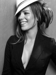 Kate Beckinsale- beautiful.