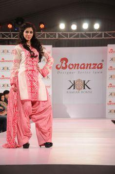 Pink and white...simple n casual luks pretty..>#salwar #kameez