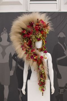 RHS Chelsea Flower Show 2016 RHS Young Chelsea Florist of the Year Competition Flowerona Flower Hats, Flower Dresses, Flower Crowns, Deco Floral, Floral Design, Tahitian Costumes, Fantasy Costumes, Chelsea Flower Show, Floral Fashion