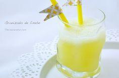 Granizado de limón # Si tenéis cuatro limones en casa no dudéis en preparar estegranizado de limón. Un refresco sin colorantes ni conservantes, que gustará a grandes y a pequeños.  Sólo llevalimones, azúcar, agua y hielo, lo que tiene que ... »
