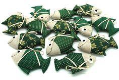 Vánoční kapřík Felt Diy, Felt Crafts, Christmas Diy, Xmas, Christmas Ornaments, Needle Felting, Art Dolls, Doll Clothes, Fish