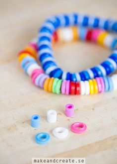 Melted Bead Bracelet How to make pretty bracelets out of melted plastic perler beads. In Swedish and English. Diy For Kids, Crafts For Kids, Arts And Crafts, Fuse Beads, Hama Beads, Diy Perler Bead Bracelet, Plastic Bottle Flowers, Perler Bead Templates, Peler Beads