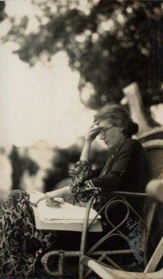 "salonduthe: "" Lady Ottoline Morrell, Portrait of Virginia Woolf, 1926. """