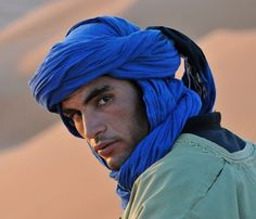 Moroccan Berber Tuareg Scarf- Long Handmade Ethnic Turban Unisex Adult Rich Blue - Top Of The World Do Pi Ke Pretty People, Beautiful People, Beauty Around The World, Hommes Sexy, Interesting Faces, World Cultures, People Around The World, Gorgeous Men, Character Inspiration