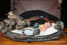 Creative Newborn Photography (hunting) - how to take great photos and setup ideas